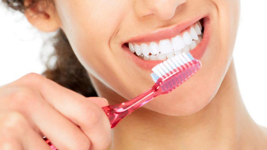 La guida definitiva alla pulizia dei denti